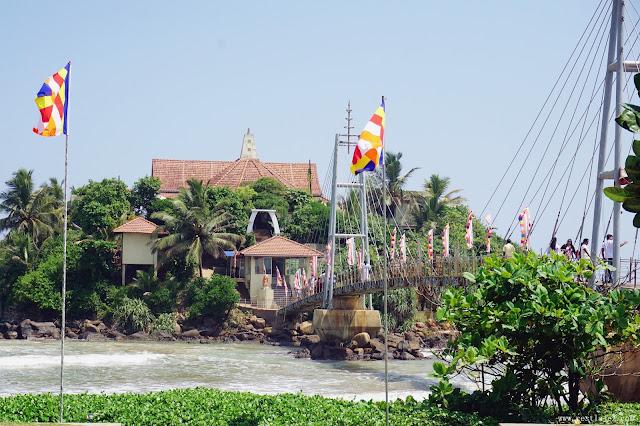 Srilanka Matara Mirissa Parevi Dupatha temple