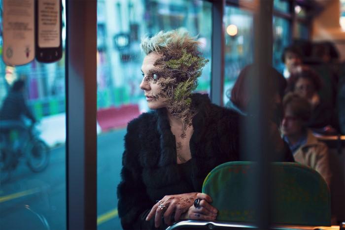 Фотограф и цифровой манипулятор из Парижа. Cal Redback