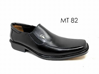 Sepatu Pantofel Pria Kulit Mokerto Tipe Panjang Formal