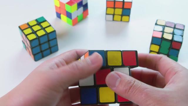 kubus rubik mainan puzzle paling laris di dunia