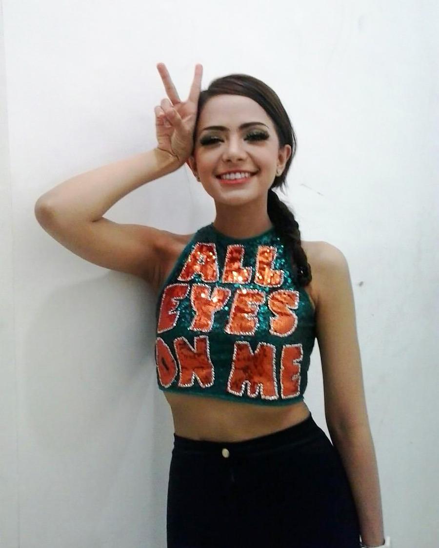 Model seksi DJ Yasmin
