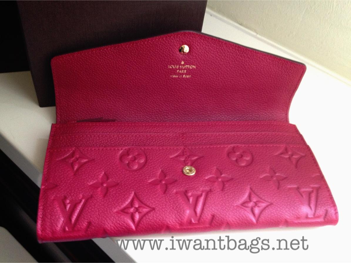 130695c28fb2 I Want Bags backup: Louis Vuitton Curieuse Wallet - Jaipur (M60491)