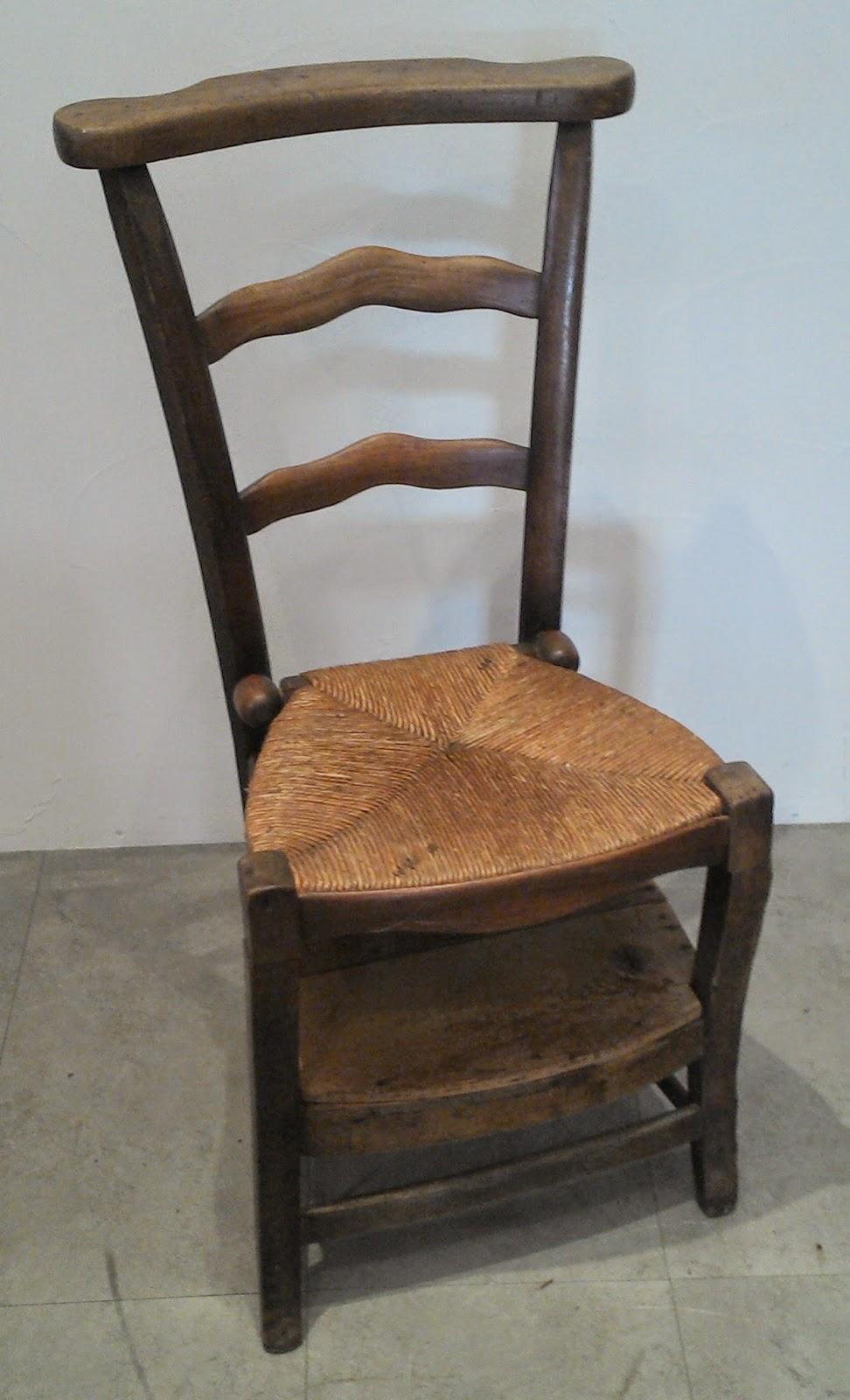 ancien prie dieu chaise de d votion paill e religieux escamotable a. Black Bedroom Furniture Sets. Home Design Ideas