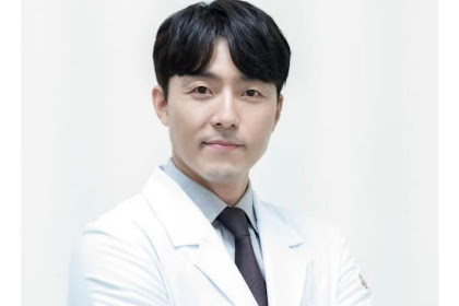Profil Lee Moo Saeng Pemeran Dokter Kim Yoon Ki The World Of The Married
