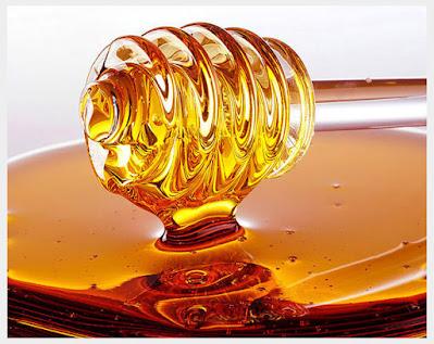 honey for lightening the dark underarms