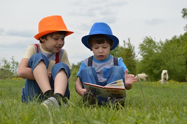 Crianças têm mais facilidade de entender poesias do que adultos