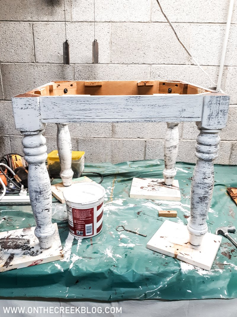 Using crackle paint to create a distressed farmhouse paint look | On The Creek Blog