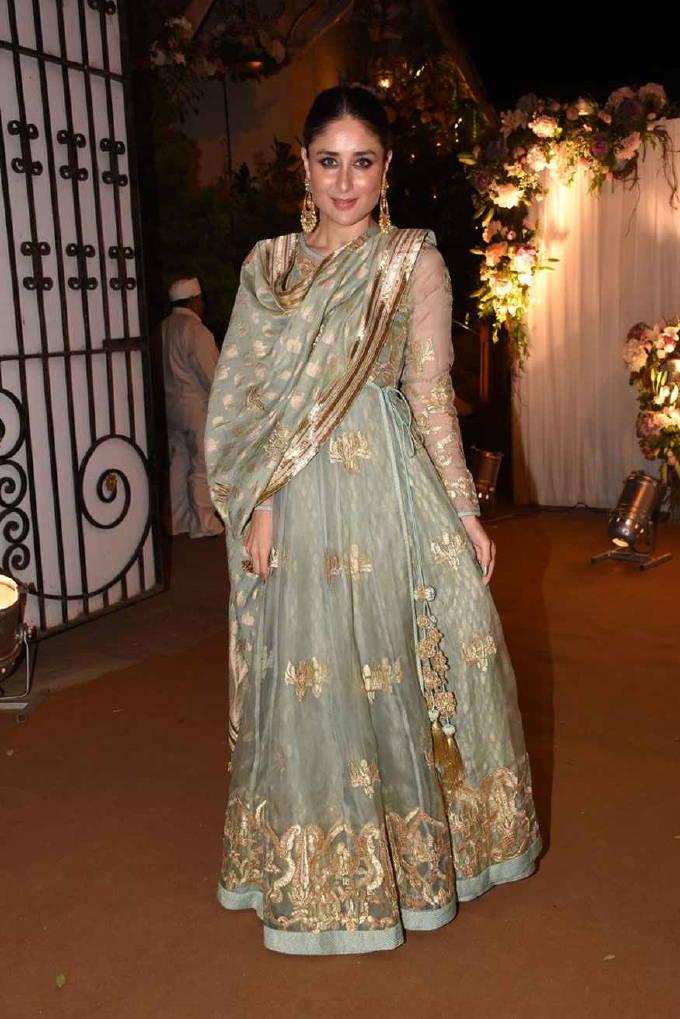Indian Actress Kareena Kapoor Hot In Green dress ...