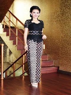model rok batik panjang buat kondangan