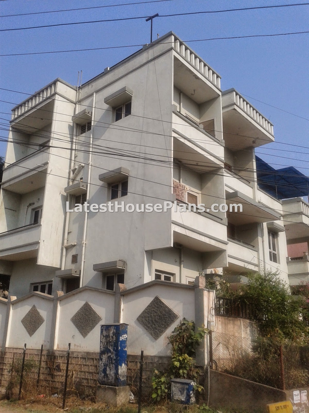 Typical-3-floor-Andhra-building-outer-elevation Paint Outer House Designs on small house paints, exterior house paints, external house paints,