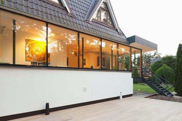 Desain Rumah Modern Dengan Lantai Atas Melengkung