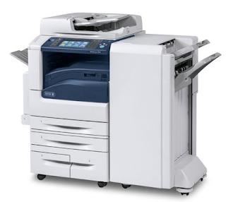 Die robuste Papierkapazität des WorkCentre 7970 wird aus einer einzelnen Schublade und einem dreifachen Fach (520/520/867/1133) geliefert