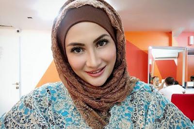 Natalie Sarah masuk islam cantik dan manis