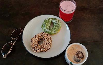 Tempat hits mojokerto, ngopi santai, tempat ngopi kekianian, toko kopi bersaudara, cafe toko kopi bersaudara