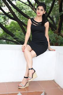 Selfie raja heroine Kamna Ranawat Pictures 050.jpg