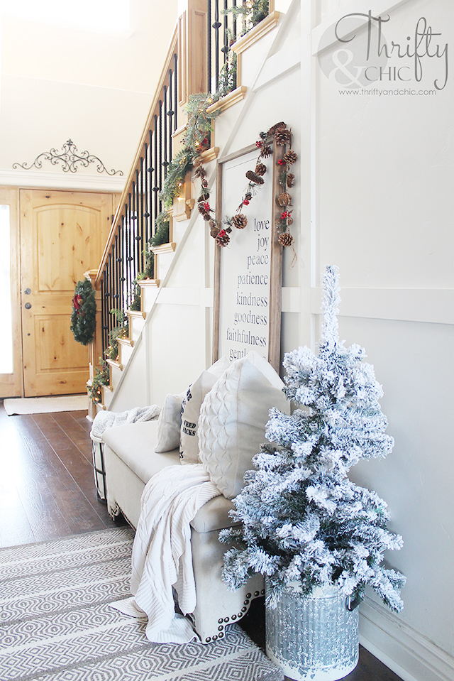 Farmhouse Christmas decor and decorating ideas. Christmas entry way decor. Board and batten entry way. Bathroom Christmas decor. Fresh greenery ideas. Farmhouse bathroom decor and ideas.