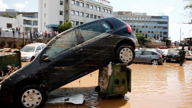 Από τις πυρκαγιές στις πλημμύρες - Νεροποντή στο Μαρούσι και την Κηφισιά (βίντεο)