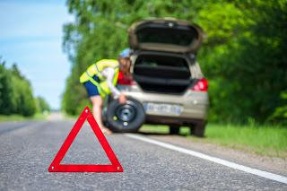 Qué objetos hay que llevar en el coche - Fénix Directo Seguros Blog