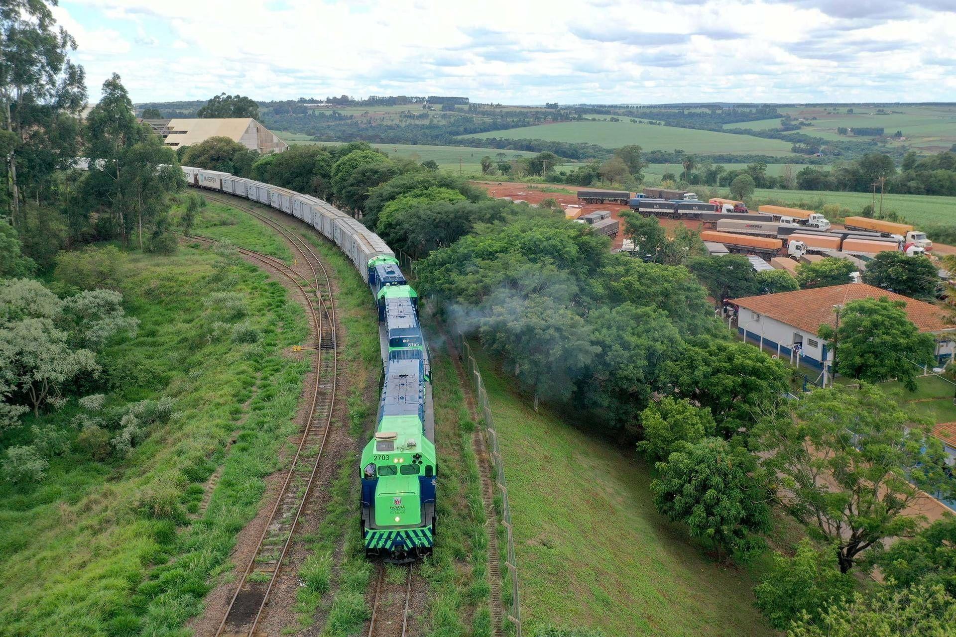 Portos do Paraná apresenta projetos para Nova Ferroeste a comitiva nacional