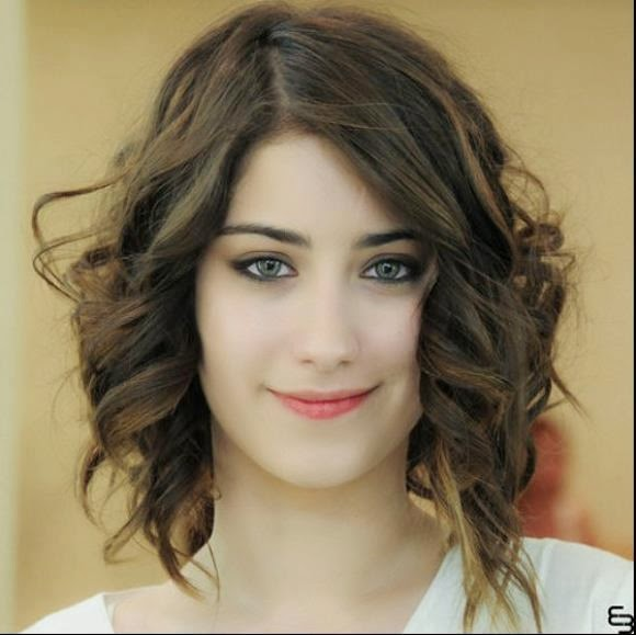 Photos Girls2: Turkish Drama Fariha Cast and Pictures