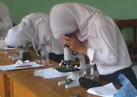 Permalink ke Memahami Al-Qur'an Kandungan Surah Ar-Rahman /55: 33 dan Al-Mujadalah/58: 11 [PAI Kelas 7 semester 1]