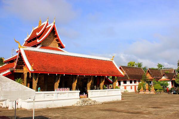 Wat Mai Suwannaphumaham - Luang Prabang