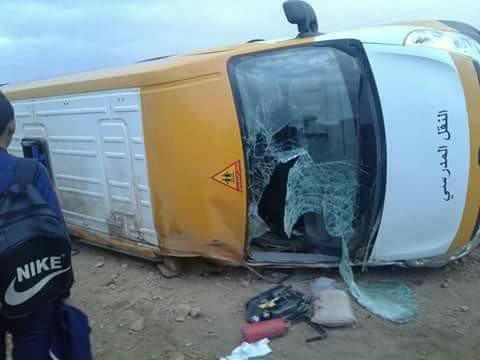 مقتل تلميذة و إصابة تلاميذ في انقلاب حافلة للنقل المدرسي بجماعة الغنيميين بإقليم برشيد