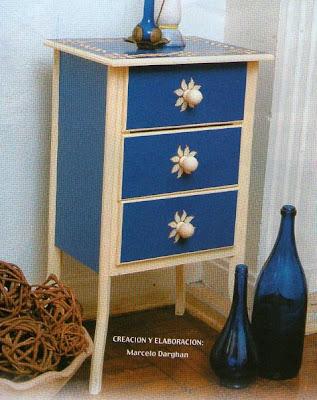 Como decorar un mueble de madera mimundomanual - Lacar un mueble de madera ...