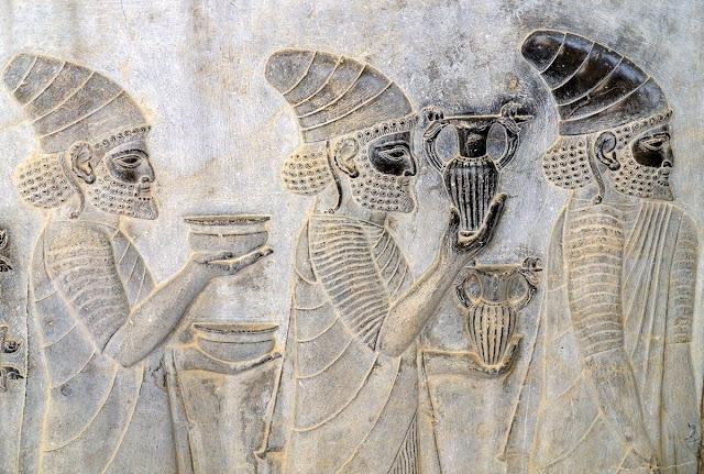 Study sheds new light on vestiges of burnt fabrics found in Persepolis
