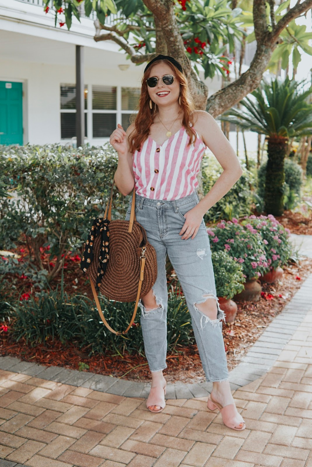 How to Style Mom Jeans for Summer | Affordable by Amanda | Very Jane Collaboration
