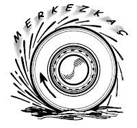 Bir otomobil lastiğindeki merkezkaç kuvvetiyle fırlayan çamuru gösteren çizim