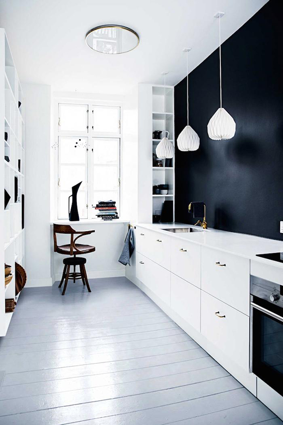 Black and white kitchen | Image by Tia Borgsmith, styling by Mette Helena Rasmussen via Inside Out
