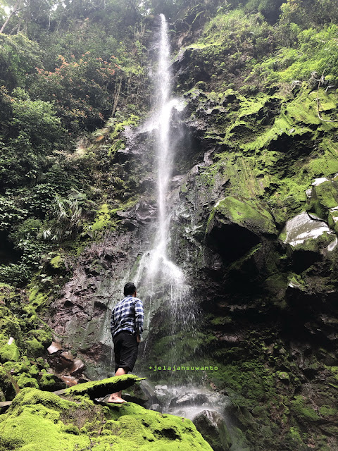 Air terjun alias Melewati jalan tanah menuju Curug Badak Batu Hanoman Tasikmalaya || JelajahSuwanto