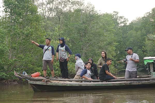 Genpi explore tambak ikan warga desa dabong