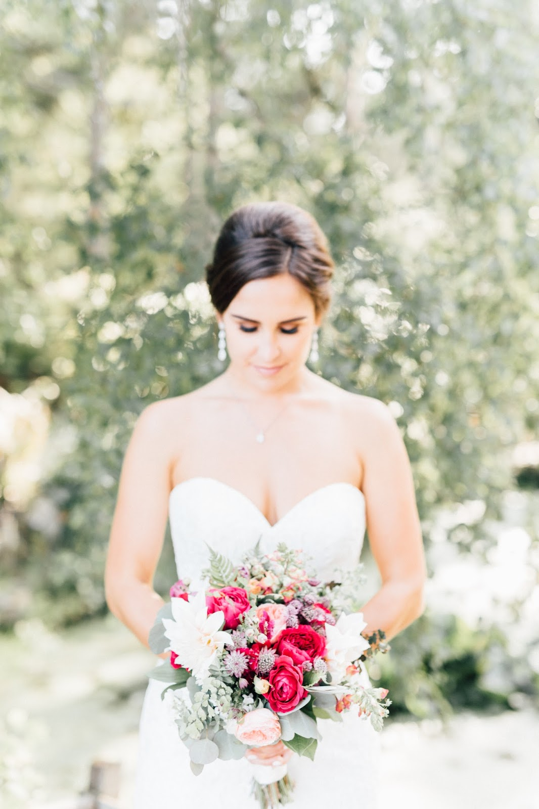 Kiana Lodge Wedding Photography, Bridal Bouquet photographed by Something Minted