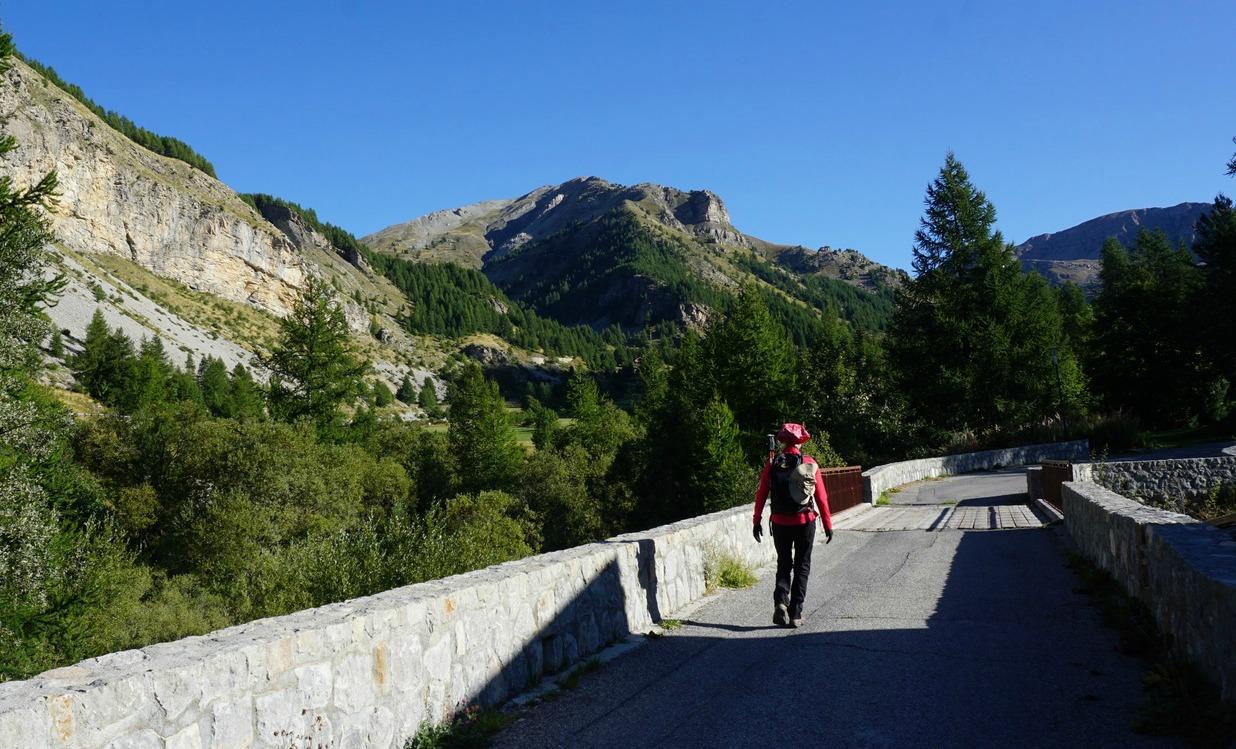 Crossing Var River in Estenc