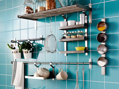 Cara Menata Dapur Sempit Tanpa Kitchen Set (Agar Lebih Rapi)