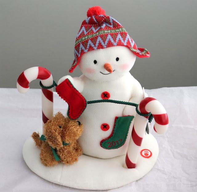 hallmark gifts holidays