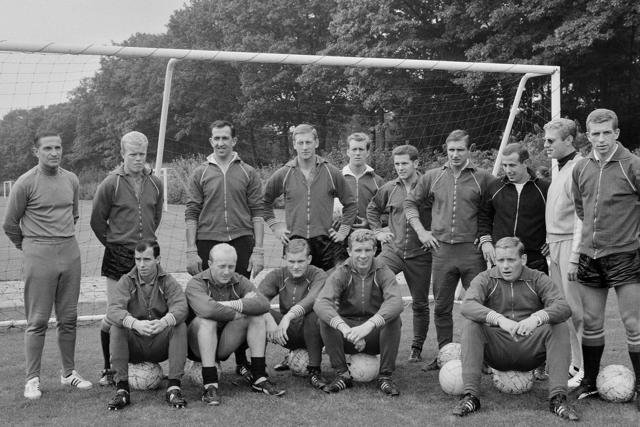 De selectie van Feyenoord bijeen voor een training
