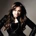 Vocalista Vanessa Rafaelly realiza live especial interpretando peças clássicas