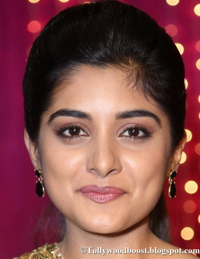 Malayalam Actress Niveda Thomas Oily Face Close Up Photos