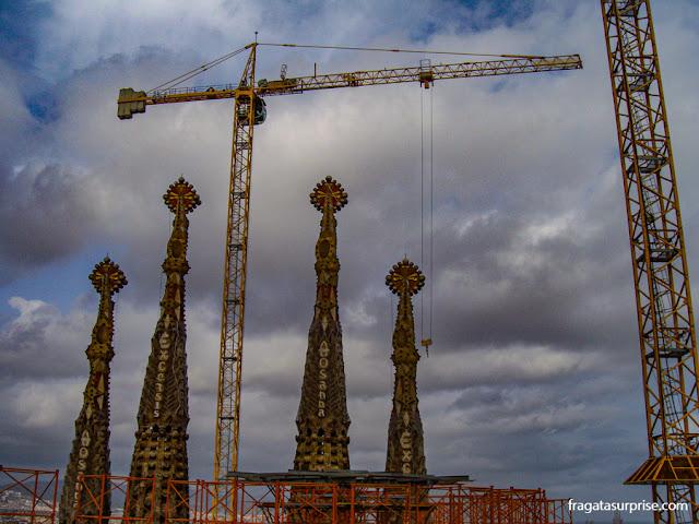 Torres da Basílica da Sagrada Família em março de 2011