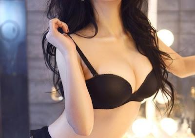 phẫu thuật nâng ngực nội soi