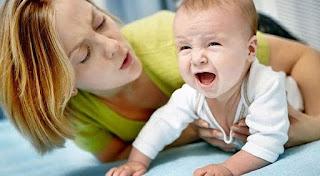 Ребенок ноет постоянно: как отучить