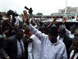 See How Goodluck Jonathan Was Hailed Today As He Arrived PDP Convention (Photos)