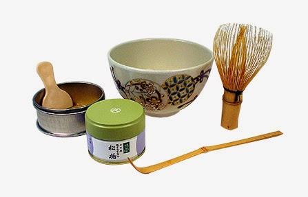 Cuenco de ceramica, batidor de bambú, soporte de porcelana y chashaku