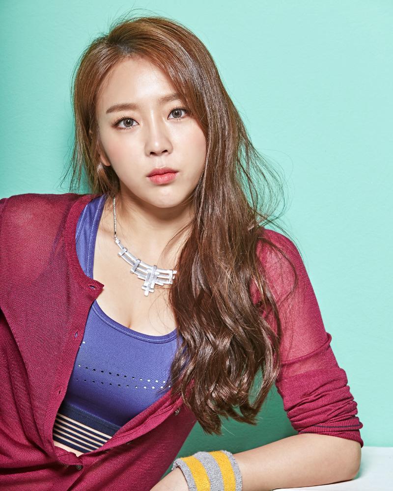 artis korea selatan seksi operasi pelastik Yewon