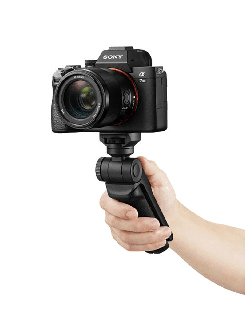 It works with a variety of Sony's digital cameras