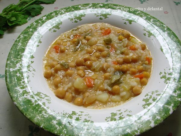 potaje-de-garbanzos-verduras-con-gorrito-y-delantal
