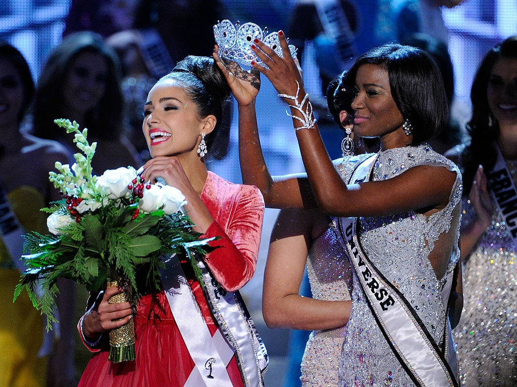 Miss USA 2012, Olivia Culpo (L), reacts as she is crowned the 2012 Miss Universe by Leila Lopes, Miss Universe 2011, during the 2012 Miss Universe Pageant at PH Live at Planet Hollywood Resort & Casino on December 19, 2012 in Las Vegas, Nevada. (Photo by David Becker/Getty Images)
